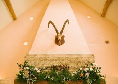 fireplace garland_pastel_summer_backdrop_Oxleaze Barn_Enchanted Floristry_Green Button